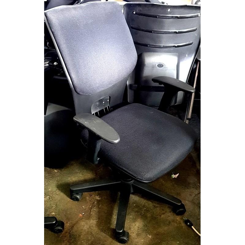 sedia, braccioli, ufficio, nera, schienale quadrato
