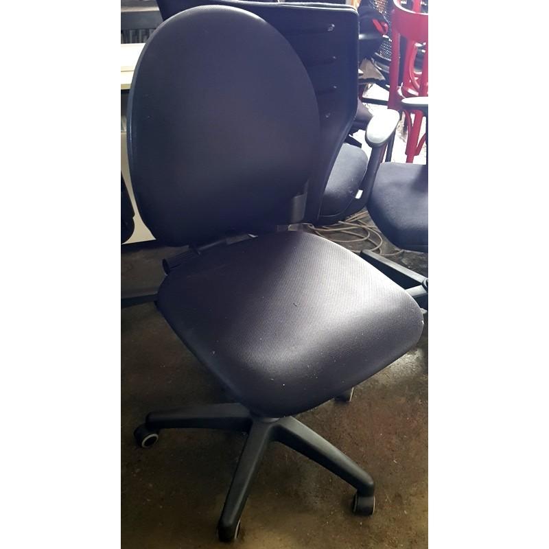 sedia, braccioli, ufficio, nera, schienale tondo